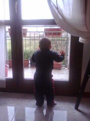 primi passi prima camminata bambino cammina da solo