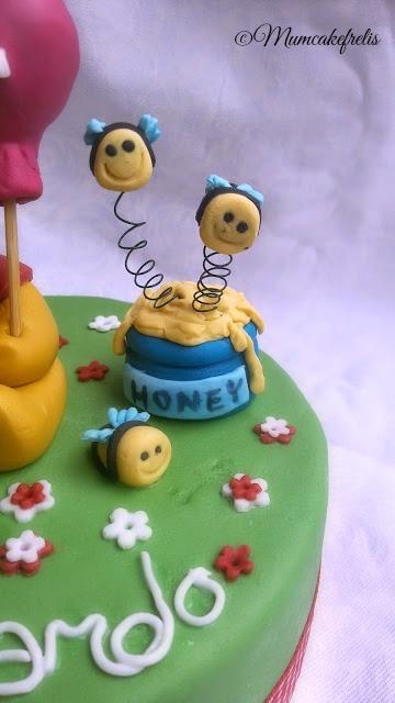 Winnie the Pooh cake toppers, Classic winnie... Winnie The Pooh Cake Toppers