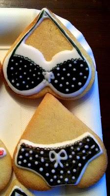 biscotti cookies lingerie per red velvet lingerie con completi dipinti a mano su glassa di zucchero