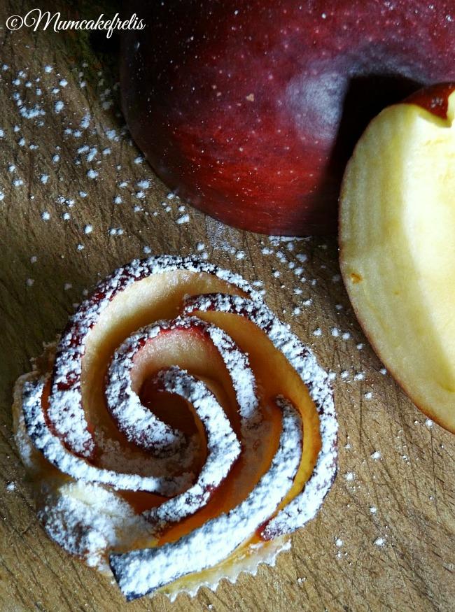 roselline di mela e pasta sfoglia