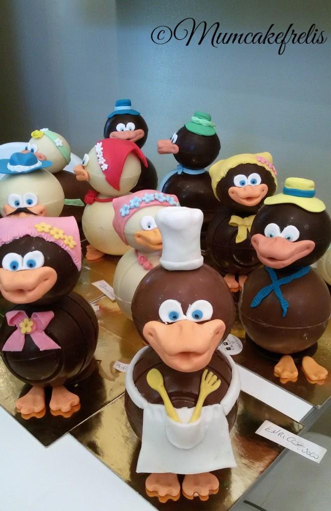uova di pasqua uova di cioccolato decorate Uovo di cioccolato decorato con pasta di zucchero