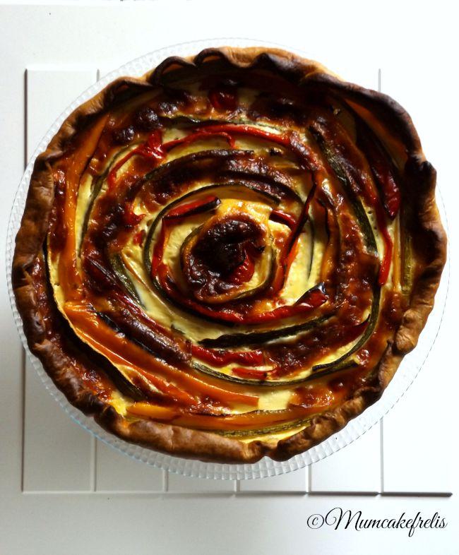 Come fare una torta salata di verdure con decorazione a girandola, pie with vegetables Catherine wheel