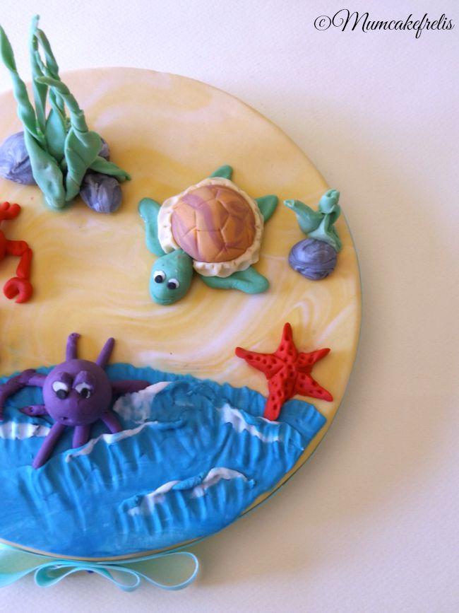 Cake Topper con granchio, polpo, tartaruga e stella marina in pasta di zucchero per un compleanno. Sea Creature cake Toppers Cakes Ideas, Cupcakes Toppers, Sea Parties, Sea Cupcakes, Yummy Cupcakes, Cakes Decor, Sea Turtles Cakes Toppers, Sea Animal, Animal Cupcakes, Mini Fondant Sea Creatures cake Toppers