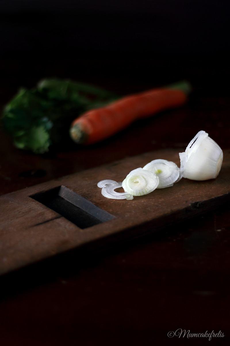 Cipolla bianca affettata