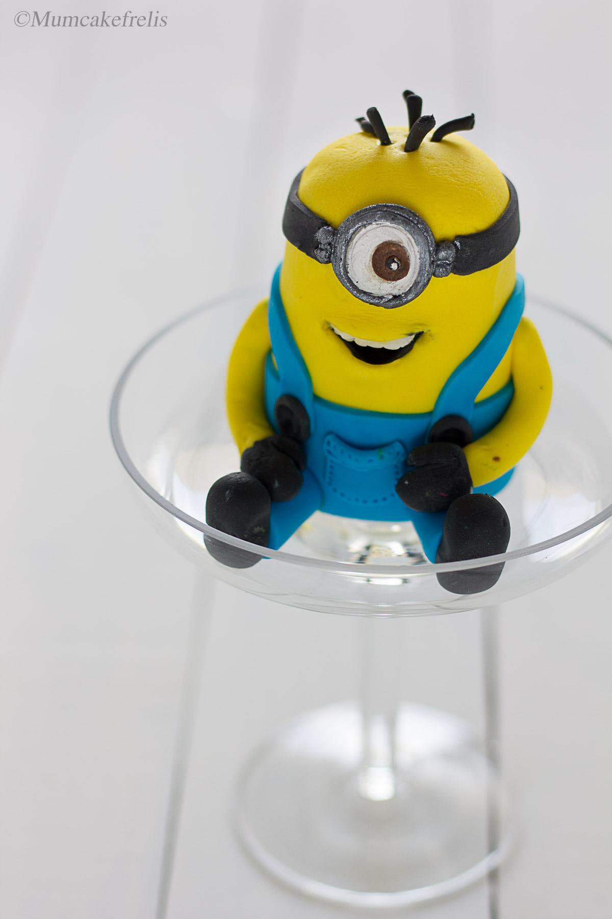 Minion fondant cake topper figurine
