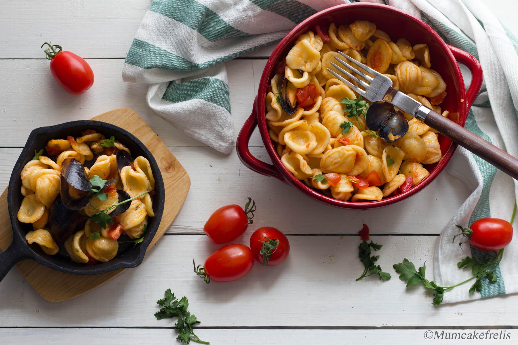 pasta con cozze nere pasta con cozze al naturale pasta o riso con cozze pasta con cozze preparazione spaghetti con cozze pomodorini spaghetti con cozze pomodoro