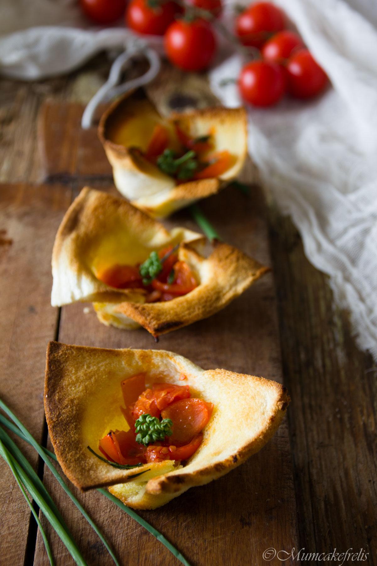 cestini di pancarrè con pomodorini