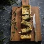 Torta salata con bruscandoli, i germogli di luppolo selvatico
