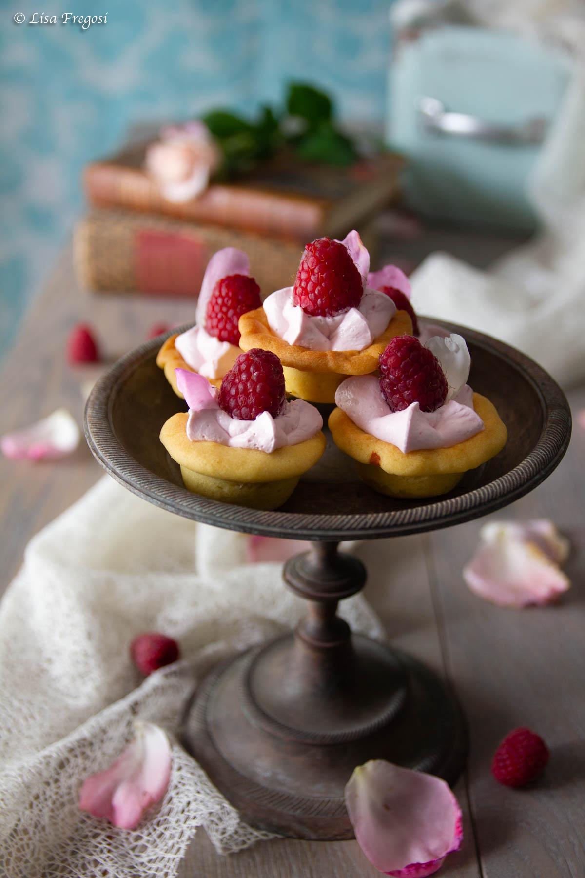 mini dolcetti, cartellette, con rose