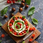 crostata salata caprese