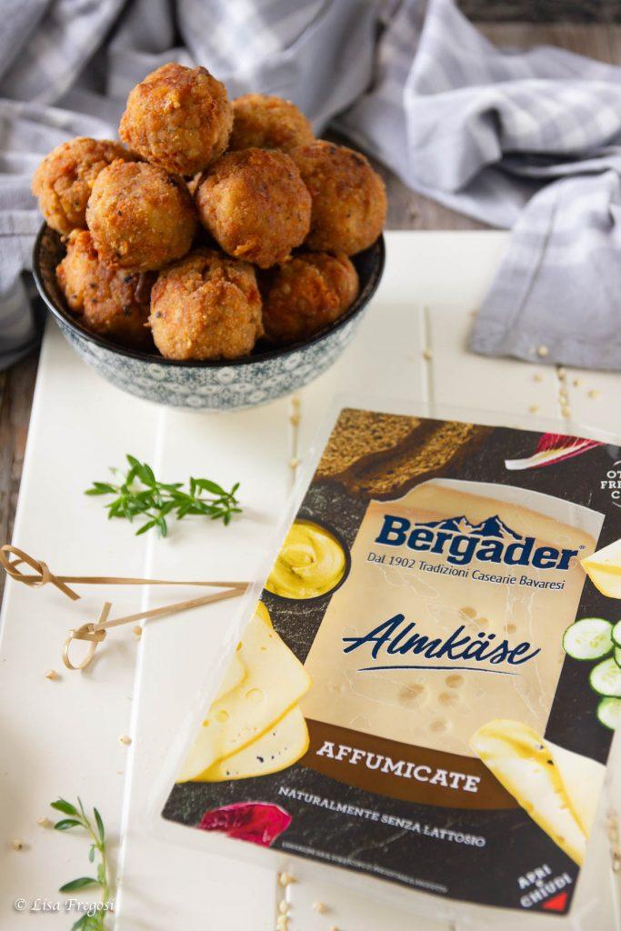 ricetta di polpette di sorgo e Bergarder fettine almkase