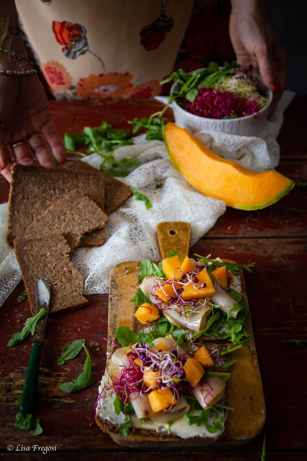 panino open sandwich melone