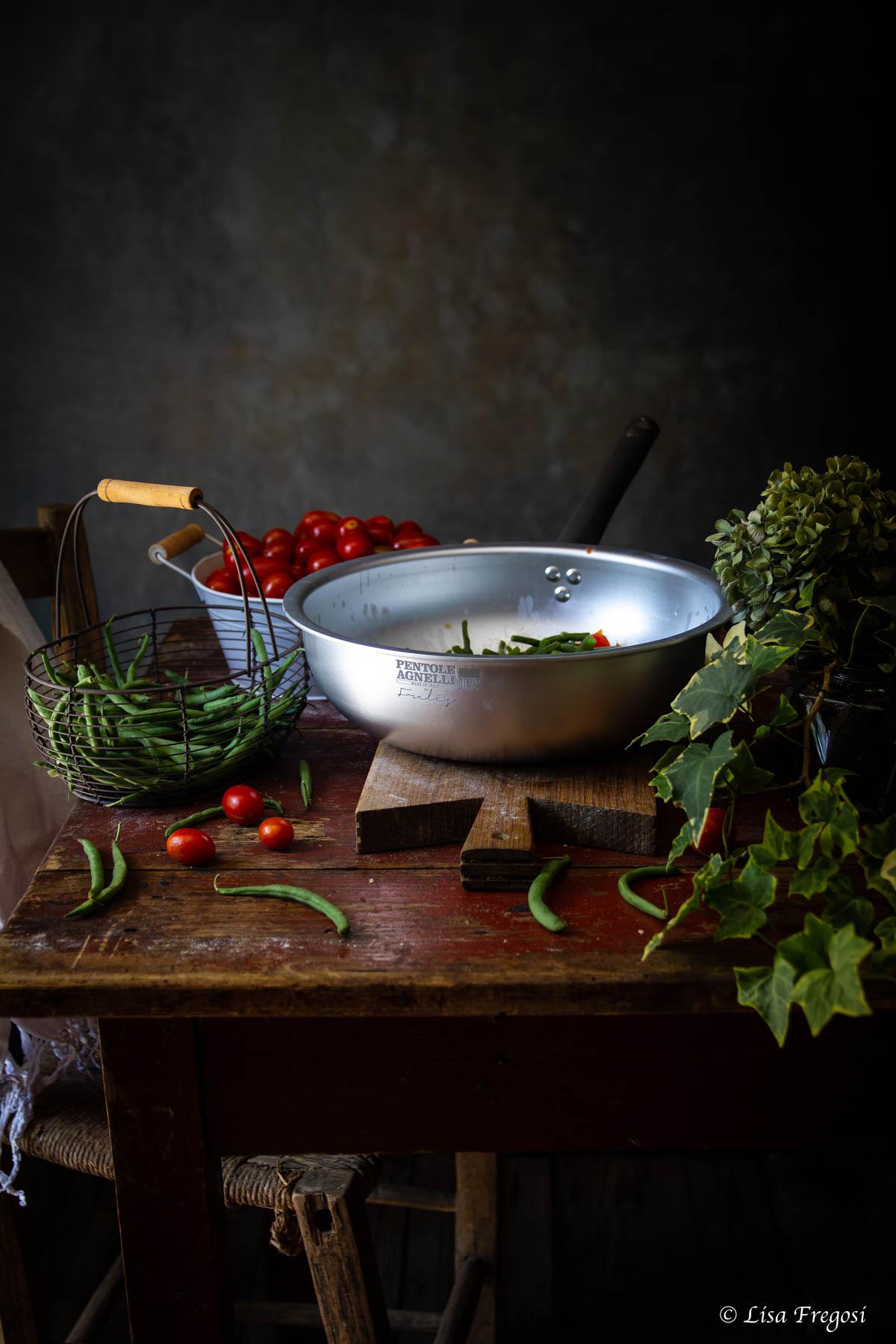 Corzetti condimento fagiolini e pomodori pentole Agnelli