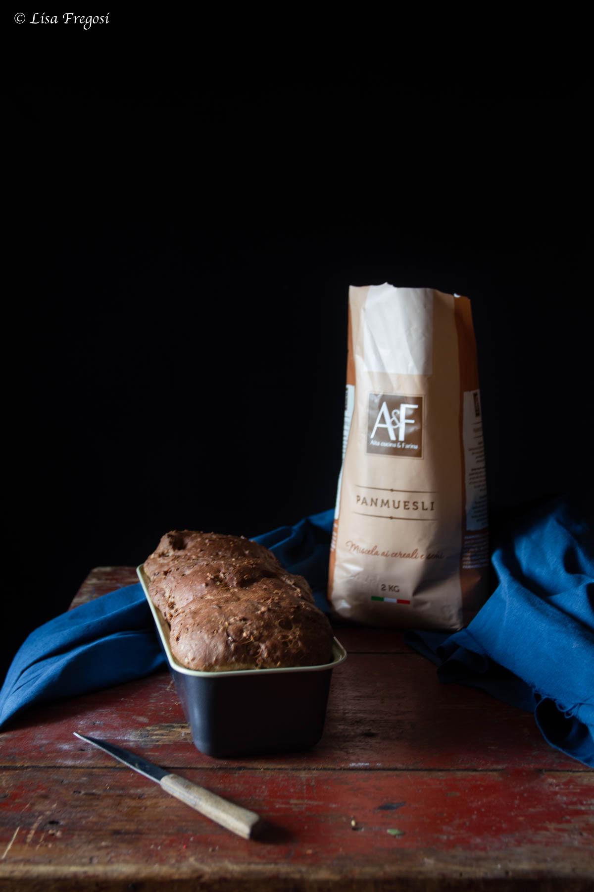 la ricetta del pan bauletto muesli