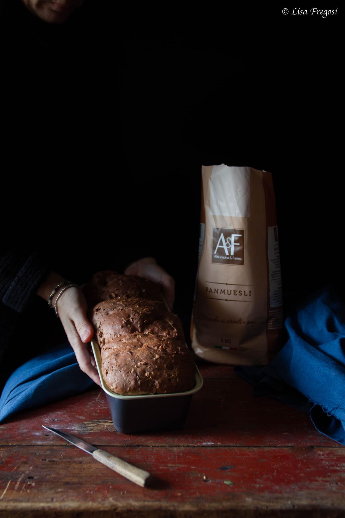 pane muesli per colazione