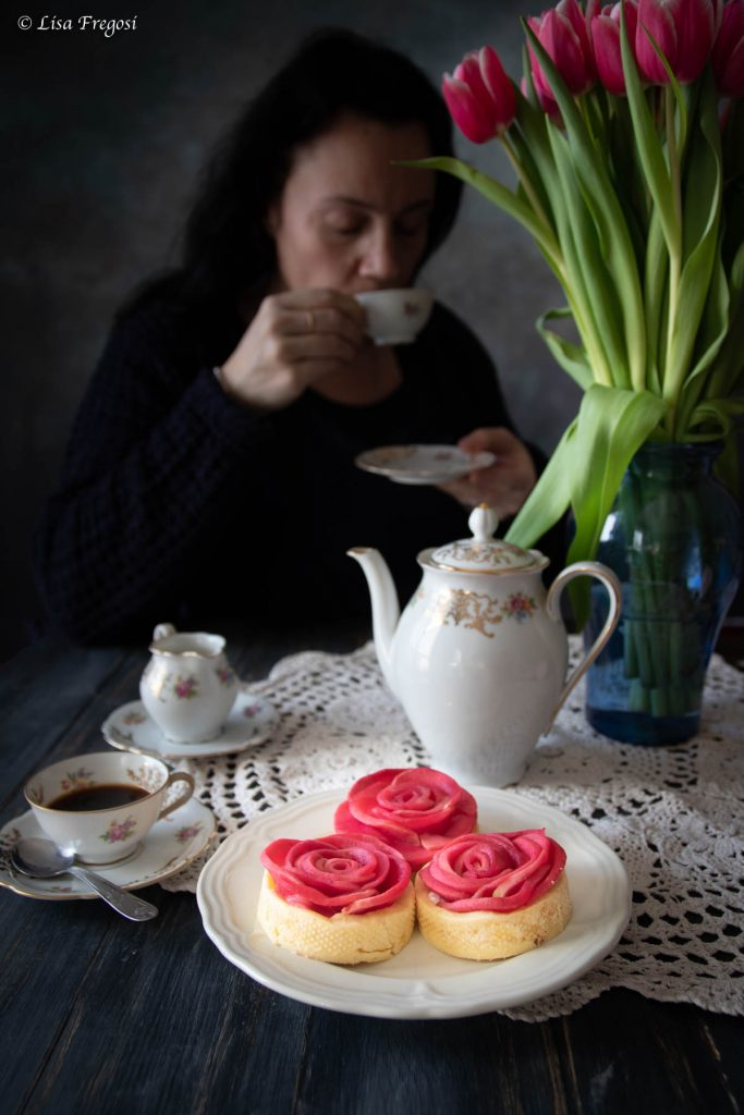 crostatine con rose di mele red moon