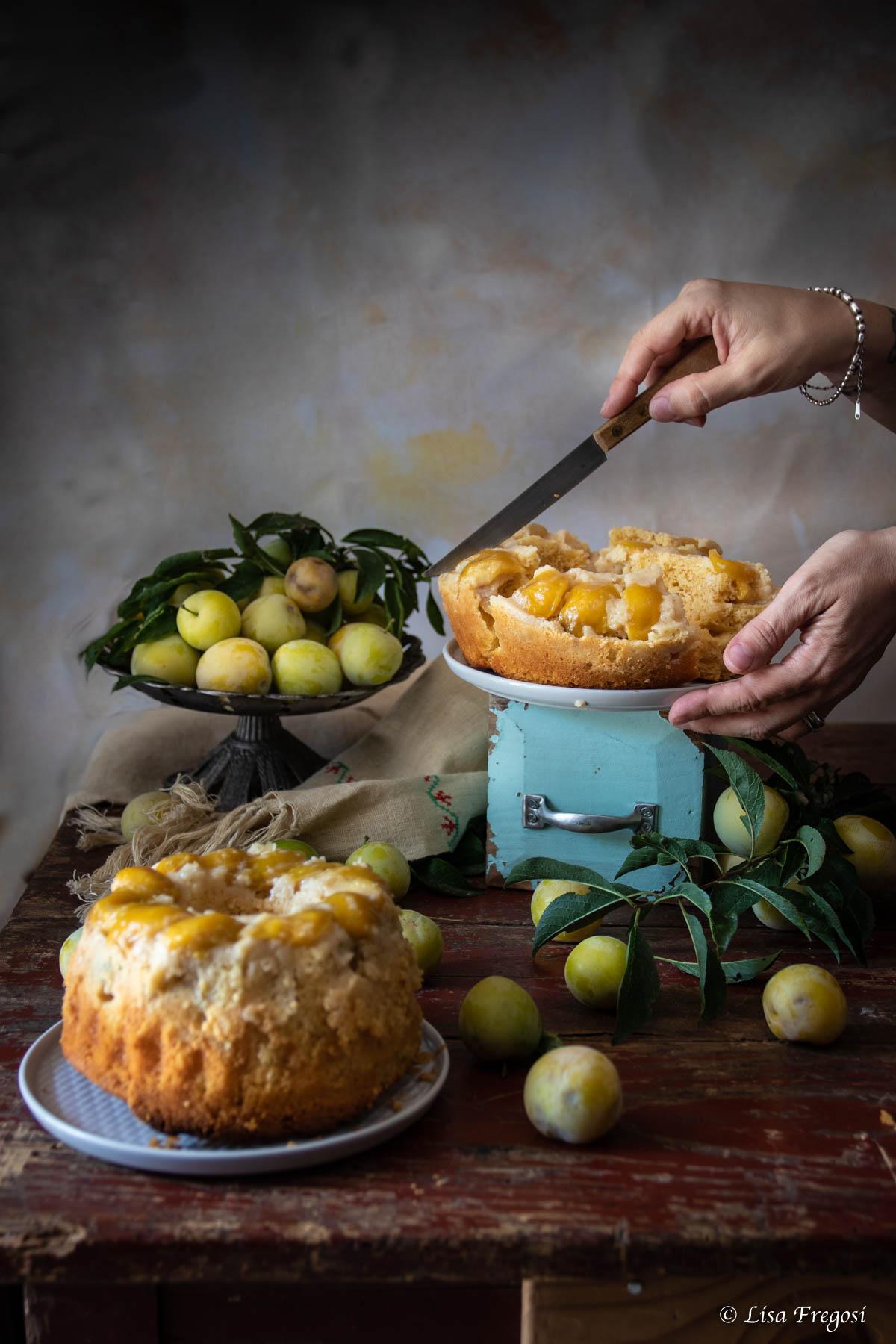 torta morbida con yogurt e susine gialle ricetta