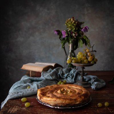 torta veloce con uva e marmellata di uvaspina