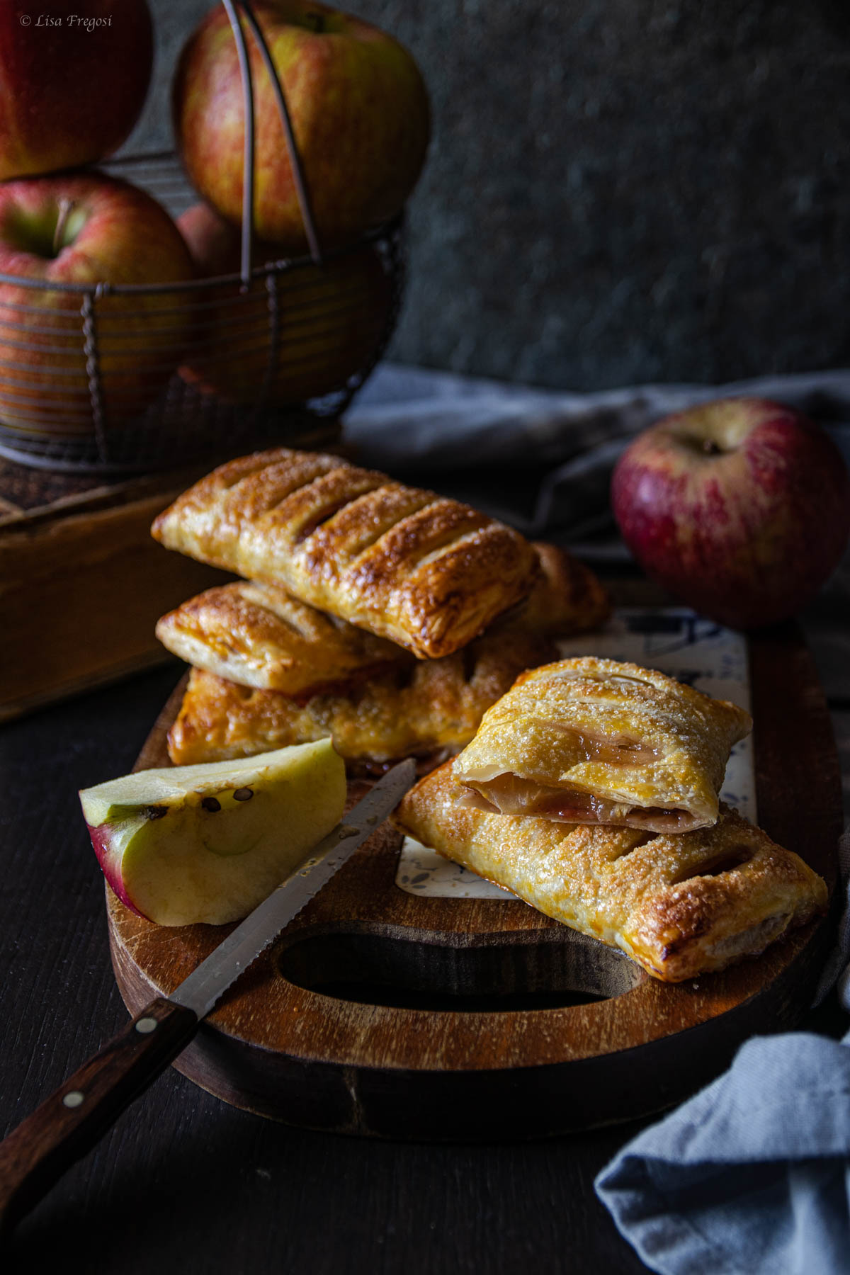 Come fare le sfogliatine veloci con le mele e marmellata
