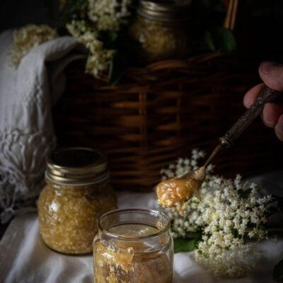 confettura con fiori di sambuco