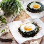 la ricetta dei nidi di agretti cotti al forno con le uova